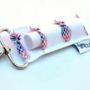 Accessories - White Pineapples LippyClip